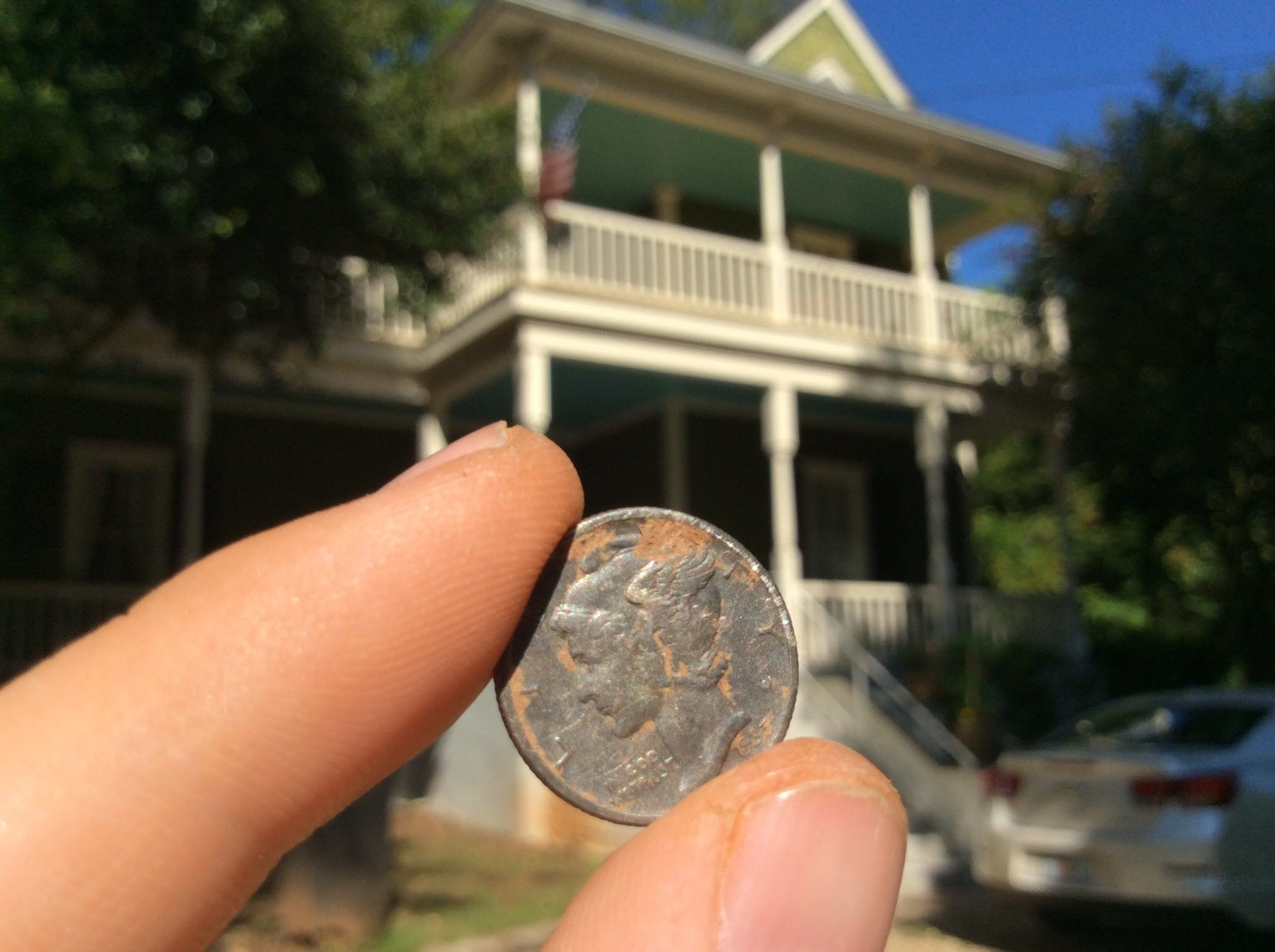 old house and dime