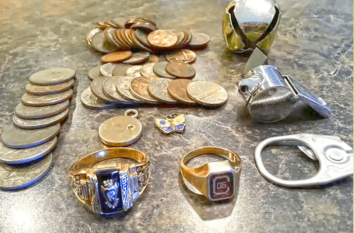 detecting-gold-coins-jewelry